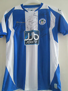 Wigan Athletic 2008-2009 Squad Signed Home Football Shirt COA  /39444