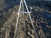 SEA FISHING TRACE BAR with spare rod holder and torch with holder