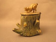 Heyde, dog sitting on a tree trunk barking inkwell