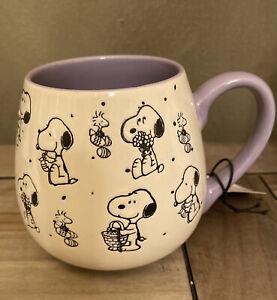 Peanuts - Easter Egg Hunt w Snoopy & Woodstock - Round Purple Gibson Mug