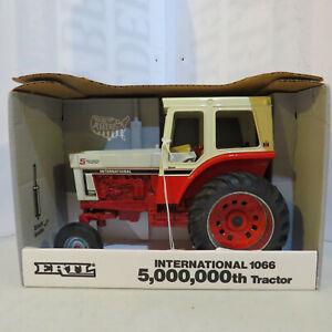 Ertl IH 1066 Tractor White Hood 66 Series Collector Ed USA 1/16 IH-4620DA-B3