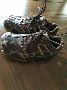 Skechers Lifestyle Brand 92 Shoes, Brown, Youth Size 13