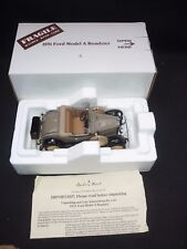 Un Danbury Comme neuf scale model of a 1931 FORD MODEL A ROADSTER, boxed