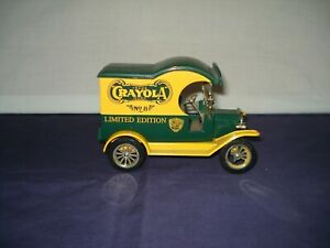 GEARBOX TOY CRAYOLA 1912 FORD DELIVERY CAR COIN BANK #3 IN A SERIES 1998 EUC