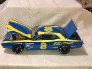 NASCAR Diecast 1/24 scale #8 DALE EARNHARDT RPM 1975 Dodge ELITE w/Coin NICE CAR