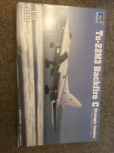 Trumpeter Models 1656 1/72 Tu22M3 Backfire C Strategic Bomber