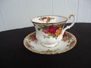 royal albert old country roses  tea cup & saucer  set