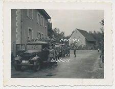 Lastkraftwagen-Mannschaftswagen-Kennung -Soldaten (b959)