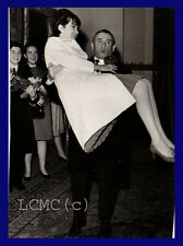 FOTOGRAFIA PRESS PHOTO 1966 RENATO RASCEL SPOSA HUGUETTE CARTIER *