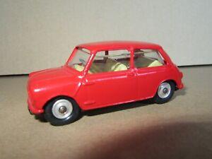 194Q Vintage Corgi England Morris Mini Cooper Repaint 1:43