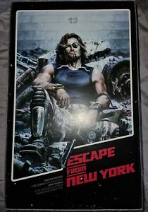 SIDESHOW COLLECTIBLES SNAKE PLISSKEN ESCAPE FROM NEW YORK 1/6 RARE FIGURE