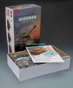 Ryefield RM5042 U.S.MEDIUM TANK M4A3 76W HVSS SHERMAN WITH FULL INTERIOR KIT1/35
