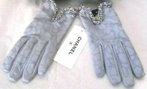 CHANEL FLOWER LEATHER CHAIN SIZE 7 GLOVES NWT 13C