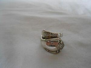 Wm A Rogers Oneida silver Vanessa/Francesca ring 1965 size 6