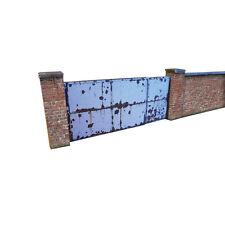 6ft INDUSTRIAL RED BRICK WALL & GATES CARD KIT- OO GAUGE HORNBY MODEL RAILWAY