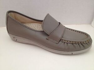 Soft Spots Shoes Womens Size 7 Narrow Gray Loafers Made in USA 7N Softspots