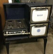 Beautiful Antique sanico gas stove, original. A MUST see!! Survivor Range offer
