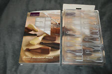 HARD PLASTIC MINI CHOCOLATE  BOTTLES CHOCOLATIER MOULDS X2