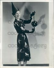 1938 1930s Woman Models Dunce Hat & Fun Dress Press Photo