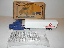 Ertl Collectibles International Cab with Trailer - Navistar - 1/64 Scale  - NEW