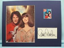 "Robin Williams and Pam Dawber in ""Mork and Mindy"" & a Pam Dawber autograph"