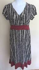 Apt 9 Stretch Ladies Print DRESS Sz L Versatile Figure Flattering Vines Contrast