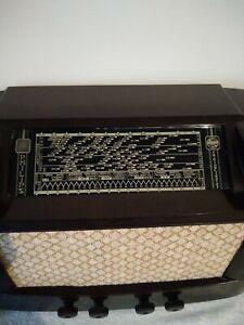 Vintage radio Philips 2552  1940  dual wave   very good order!