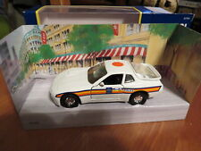 CORGI SCALE MODEL 57701 PORCHE 944 POLICE CAR Brand New! RARE!