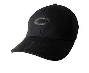OAKLEY    A FLEX  CAP   BLACK   SIZE S / M    STRETCH FIT   NEW  LAST FEW