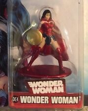 WONDER WOMAN DC4  NANO METALFIGS die cast mini figure  on JUSTICE LEAGUE  card