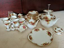 More details for royal albert old country roses collection