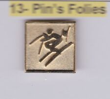 Pin's Folies Badge Albertville Olympic winter games 1992 Speicla ski skiing
