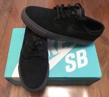 Nike shoes, size 5