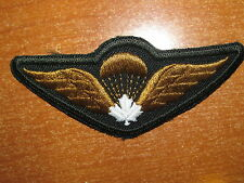 Canadian Army Qualification Badge Airborne Parachute Jump Wings White Maple Leaf