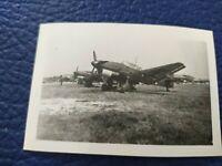 2 WK FOTO WEHRMACHT Soldaten mit Stuka Luftwaffe