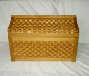 "Vtg wicker Rattan wood Trunk Storage Chest brass hinges Boho 22"" w x12 x14 tall"