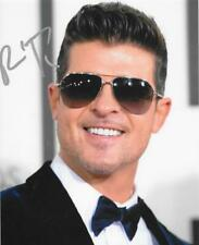 ROBIN THICKE SIGNED 8X10 PHOTO POP ROCK SUPERSTAR AUTOGRAPH