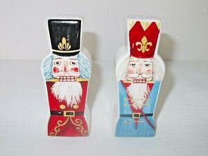 CERAMIC NUTCRACKER SOLDIERS DESIGN CHRISTMAS SALT AND PEPPER SHAKER CRUET SET
