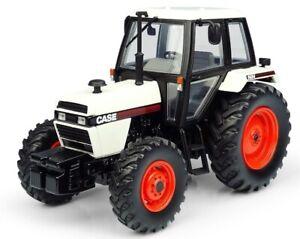 UH6208 - Tracteur 4wd de couluer blanc et noir - CASE 1494 4WD -  -