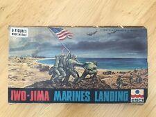 1.72 ESCI - USMC WW II - IWO-JIMA MARINES LANDING -OLD BOX BUT COMPLETE. V. RARE