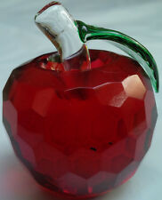 CRYSTAL GLASS RED APPLE 40 MM GREEN LEAF