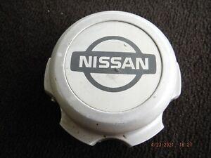96 97 Nissan Hardbody alloy wheel center cap