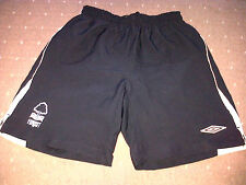Nottingham Forest UMBRO BLACK Football Shorts EXTRA LARGE BOYS VGC