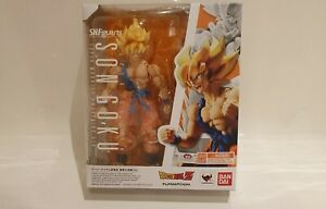 Bandai Tamashii SH Figuarts Dragonball Z Super Saiyan Son Goku Awakening