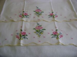2 beautiful Vintage Pillow Cases Pink Roses Yellow Scalloped Edge