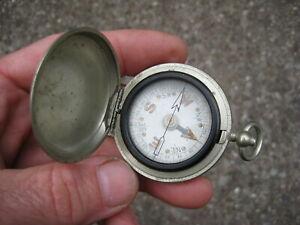 * WW1 or WW2?  MILITARY COMPASS metal Dennison case. No reserve 100% genuine !!!