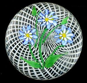 Murano Three Flower Bouquet on Two-Level Spiral Latticinio Cushion