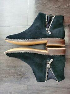 Clarks Somerset Size 8.5M Black Suede Side Zip Flat Bootie