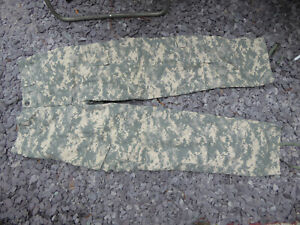 US army Combat Trousers Digital Camo Ripstop, waist approx 34 inches..