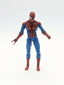 Hasbro Marvel Universe The Amazing SPIDER-MAN 3.75 Inch Action Figure